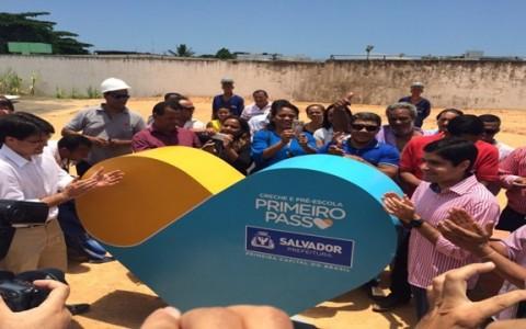 ACM Neto assina ordem de construção de creches em Cajazeiras